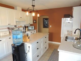 Photo 7: 587 Lowry's Rd in : PQ French Creek House for sale (Parksville/Qualicum)  : MLS®# 859917