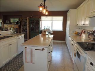 Photo 2: 587 Lowry's Rd in : PQ French Creek House for sale (Parksville/Qualicum)  : MLS®# 859917