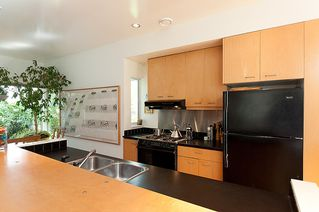 Photo 14: 1209 E 13TH Avenue in Vancouver: Mount Pleasant VE House 1/2 Duplex for sale (Vancouver East)  : MLS®# V917466