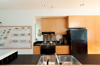 Photo 15: 1209 E 13TH Avenue in Vancouver: Mount Pleasant VE House 1/2 Duplex for sale (Vancouver East)  : MLS®# V917466
