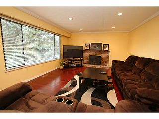 Photo 2: 2121 REGAN Avenue in Coquitlam: Central Coquitlam House for sale : MLS®# V1041922
