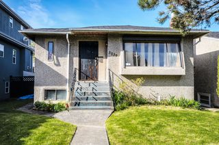 Main Photo: 3039 W 16TH Avenue in Vancouver: Kitsilano House for sale (Vancouver West)