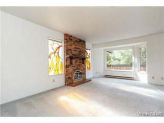 Photo 4: 911 Oliphant Ave in VICTORIA: Vi Fairfield West Row/Townhouse for sale (Victoria)  : MLS®# 711126