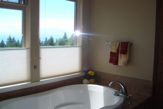 "Photo 11: 1345 CHASTER Road in Gibsons: Gibsons & Area House for sale in ""CHASTER PLACE"" (Sunshine Coast)  : MLS®# R2008145"