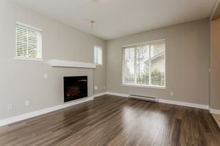 "Photo 4: 17 5839 PANORAMA Drive in Surrey: Sullivan Station Townhouse for sale in ""Forest Gate"" : MLS®# R2046887"
