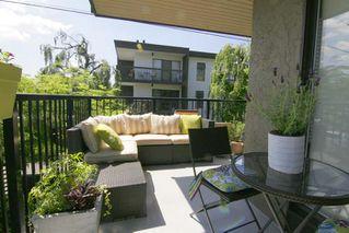 """Photo 12: 210 288 E 14TH Avenue in Vancouver: Mount Pleasant VE Condo for sale in """"VILLA SOPHIA"""" (Vancouver East)  : MLS®# R2075000"""