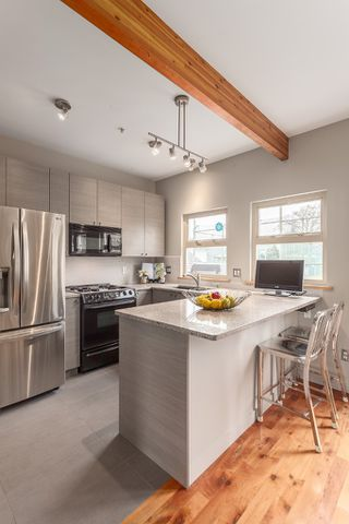 Photo 17: 258 E 32ND Avenue in Vancouver: Main House for sale (Vancouver East)  : MLS®# R2147666