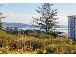 Photo 2: 208 3234 Holgate Lane in VICTORIA: Co Lagoon Condo Apartment for sale (Colwood)  : MLS®# 376091
