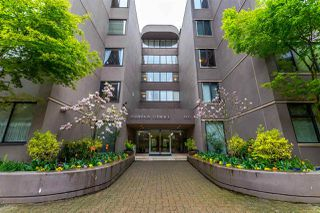 Photo 2: 39 1425 LAMEY'S MILL Road in Vancouver: False Creek Condo for sale (Vancouver West)  : MLS®# R2158244