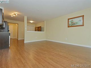 Photo 5: 206 1405 Esquimalt Rd in VICTORIA: Es Saxe Point Condo for sale (Esquimalt)  : MLS®# 758598