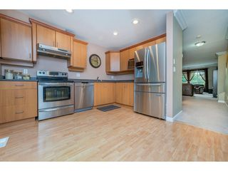 "Photo 6: 63 16388 85 Avenue in Surrey: Fleetwood Tynehead Townhouse for sale in ""CAMELOT"" : MLS®# R2176238"