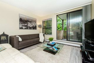 "Photo 4: 208 10698 151A Street in Surrey: Guildford Condo for sale in ""Lincoln's Hill"" (North Surrey)  : MLS®# R2210188"