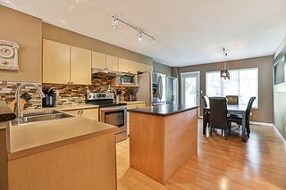 """Photo 5: 41 12711 64 Avenue in Surrey: West Newton Townhouse for sale in """"Palette on the Park"""" : MLS®# R2219294"""