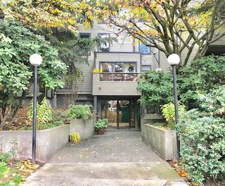 """Photo 1: 101 225 MOWAT Street in New Westminster: Uptown NW Condo for sale in """"THE WINDSOR"""" : MLS®# R2221098"""