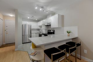 "Photo 5: 212 5723 BALSAM Street in Vancouver: Kerrisdale Condo for sale in ""KERRISDALE PLACE"" (Vancouver West)  : MLS®# R2231080"