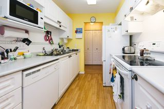 """Photo 9: 308 20433 53 Avenue in Langley: Langley City Condo for sale in """"Countryside Estates"""" : MLS®# R2231376"""