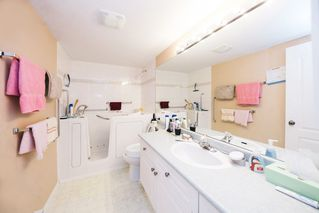 """Photo 12: 308 20433 53 Avenue in Langley: Langley City Condo for sale in """"Countryside Estates"""" : MLS®# R2231376"""