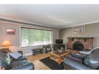 Photo 7: 24117 55 Avenue in Langley: Salmon River House for sale : MLS®# R2269240