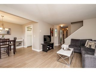 "Photo 4: 118 2533 MARCET Court in Abbotsford: Abbotsford East Townhouse for sale in ""Old Yale Estates"" : MLS®# R2282385"