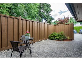 "Photo 3: 118 2533 MARCET Court in Abbotsford: Abbotsford East Townhouse for sale in ""Old Yale Estates"" : MLS®# R2282385"
