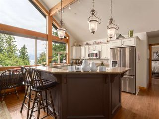 """Photo 8: 210 FURRY CREEK Drive: Furry Creek House for sale in """"FURRY CREEK"""" (West Vancouver)  : MLS®# R2286105"""