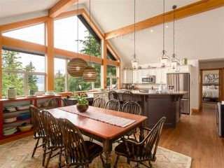 """Photo 7: 210 FURRY CREEK Drive: Furry Creek House for sale in """"FURRY CREEK"""" (West Vancouver)  : MLS®# R2286105"""