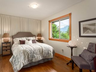 """Photo 16: 210 FURRY CREEK Drive: Furry Creek House for sale in """"FURRY CREEK"""" (West Vancouver)  : MLS®# R2286105"""