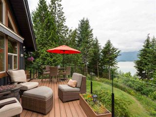 """Photo 2: 210 FURRY CREEK Drive: Furry Creek House for sale in """"FURRY CREEK"""" (West Vancouver)  : MLS®# R2286105"""