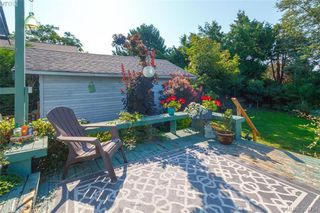 Photo 17: 2059 Newton St in VICTORIA: OB Henderson Single Family Detached for sale (Oak Bay)  : MLS®# 795691