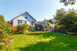 Photo 22: 2059 Newton St in VICTORIA: OB Henderson Single Family Detached for sale (Oak Bay)  : MLS®# 795691