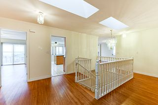 Photo 3: 7931 12TH Avenue in Burnaby: East Burnaby House for sale (Burnaby East)  : MLS®# R2319322