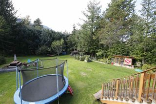 Photo 14: 41651 COTTONWOOD Road in Squamish: Brackendale House for sale : MLS®# R2329962