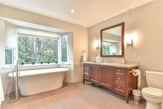 "Photo 15: 8853 164 Street in Surrey: Fleetwood Tynehead House for sale in ""Fleetwood Estates"" : MLS®# R2333300"