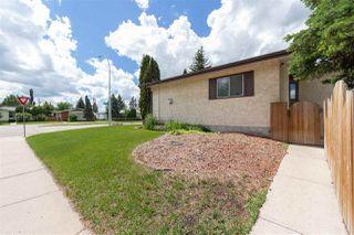 Photo 2: 11204 40 Avenue in Edmonton: Zone 16 House for sale : MLS®# E4143567