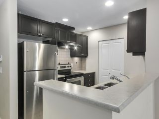 """Photo 9: 220 6279 EAGLES Drive in Vancouver: University VW Condo for sale in """"REFLECTIONS"""" (Vancouver West)  : MLS®# R2340550"""