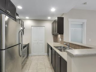 """Photo 10: 220 6279 EAGLES Drive in Vancouver: University VW Condo for sale in """"REFLECTIONS"""" (Vancouver West)  : MLS®# R2340550"""