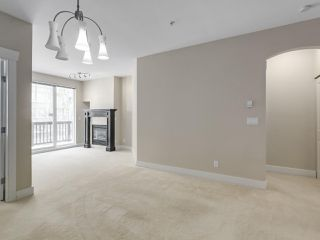 """Photo 4: 220 6279 EAGLES Drive in Vancouver: University VW Condo for sale in """"REFLECTIONS"""" (Vancouver West)  : MLS®# R2340550"""