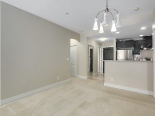 """Photo 8: 220 6279 EAGLES Drive in Vancouver: University VW Condo for sale in """"REFLECTIONS"""" (Vancouver West)  : MLS®# R2340550"""