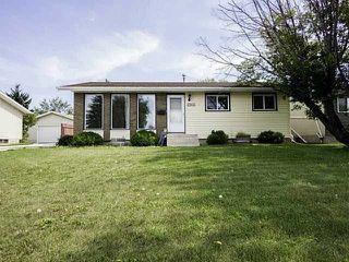 Photo 1: 2203 72 Street in Edmonton: Zone 29 House for sale : MLS®# E4146436