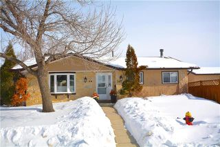 Photo 1: 54 Currie Crescent in Winnipeg: Tyndall Park Residential for sale (4J)  : MLS®# 1905230