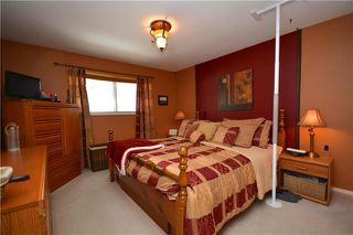 Photo 13: 54 Currie Crescent in Winnipeg: Tyndall Park Residential for sale (4J)  : MLS®# 1905230