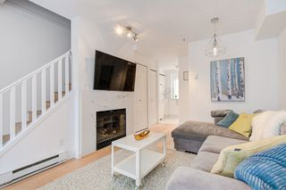 "Photo 4: 2110 YEW Street in Vancouver: Kitsilano Townhouse for sale in ""Magnolia Gardens"" (Vancouver West)  : MLS®# R2348200"