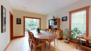Photo 4: 1631 MACDONALD Place in Squamish: Brackendale House for sale : MLS®# R2356396