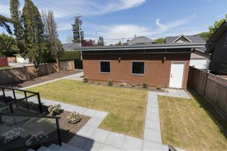 Photo 2: 2887 W 39TH Avenue in Vancouver: Kerrisdale House for sale (Vancouver West)  : MLS®# R2359663