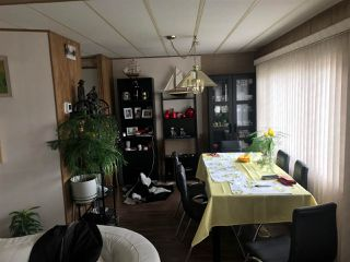 """Photo 2: 22 6571 KING GEORGE Boulevard in Surrey: Sullivan Station Manufactured Home for sale in """"Newton"""" : MLS®# R2360962"""