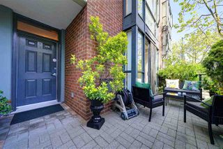 "Main Photo: 1409 W 6TH Avenue in Vancouver: False Creek Townhouse for sale in ""MODENA OF PORTICO"" (Vancouver West)  : MLS®# R2361682"