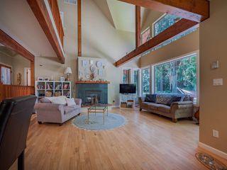 "Photo 20: 8423 8425 REDROOFFS Road in Halfmoon Bay: Halfmn Bay Secret Cv Redroofs House for sale in ""HALFMOON BAY WATERFRONT"" (Sunshine Coast)  : MLS®# R2363344"
