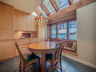 "Photo 8: 8423 8425 REDROOFFS Road in Halfmoon Bay: Halfmn Bay Secret Cv Redroofs House for sale in ""HALFMOON BAY WATERFRONT"" (Sunshine Coast)  : MLS®# R2363344"