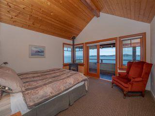 "Photo 10: 8423 8425 REDROOFFS Road in Halfmoon Bay: Halfmn Bay Secret Cv Redroofs House for sale in ""HALFMOON BAY WATERFRONT"" (Sunshine Coast)  : MLS®# R2363344"