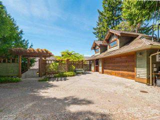 "Photo 18: 8423 8425 REDROOFFS Road in Halfmoon Bay: Halfmn Bay Secret Cv Redroofs House for sale in ""HALFMOON BAY WATERFRONT"" (Sunshine Coast)  : MLS®# R2363344"